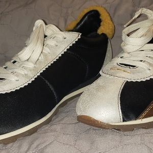 Coach C122 With Suede and Sheep Fur Size 9 Women's